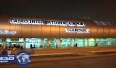 أمريكى يقيم أمام مطار القاهرة منذ 3 أيام بحثا عن تذكرة سفر