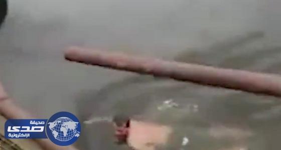 بالفيديو.. تمساح يلتهم ساحرًا حاول مصارعته