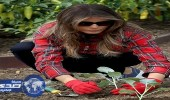 """بالصور.. ميلانيا ترامب تزرع بستان البيت الأبيض بالنظارة و """" الجنيز """""""