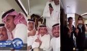 بالفيديو.. ضحكات هستيرية لمحمد عبده وعبدالمجيد عبدالله وعبادي الجوهر داخل طائرة خاصة
