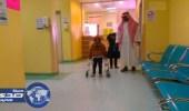 طفل مصاب بشلل دماغي يتمكن من المشي بعد جراحة معقدة في النبهانية
