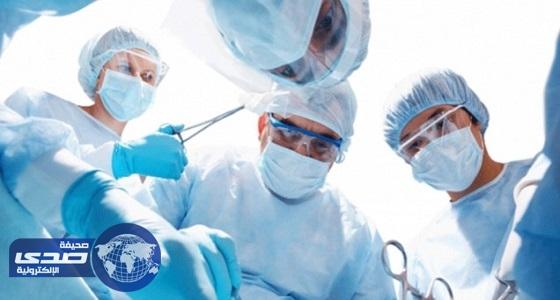 """فريق طبي بـ """" ولادة الإحساء """" ينقذ حياة 3 توائم"""