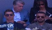 كريستيانو رونالدو يشجع فريقه السابق من الملعب