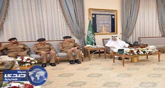 الأمير خالد الفيصل يستقبل مدير عام الدفاع المدني