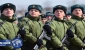 جندي روسي يقتل 3 من زملائه ويفر