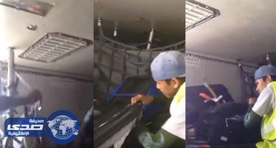 """بالفيديو.. """" الخدمات الأرضية """" تكشف حقيقة سرقة حقائب المسافرين"""