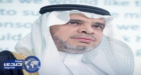 وزير التعليم يطمئن على المعلم المعتدي عليه ويتوعد المعتدين