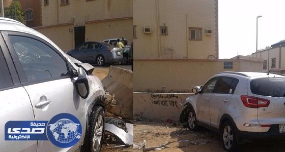 بالصور.. مصرع مواطنة تقود سيارة وإصابة زوجها بجدة