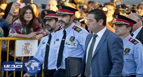 القضاء الإسباني يحقق مع قائد شرطة كتالونيا ومعاونيه