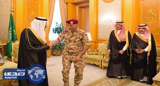 بالصور.. خادم الحرمين يقلد قائدي قوات الطوارئ والأمن الخاصة رتبتيهما