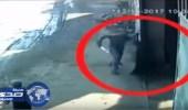 """بالفيديو.. لحظة قتل شاب لـ """" قس """" مصري"""