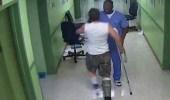 مشاهد صادمة لمعاملة المرضى كالحيوانات في مستشفى أمريكي
