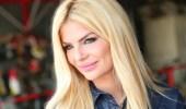 بالفيديو.. ملكة جمال لبنان تقفل سحاب فستانها على الهواء بسبب موقف محرج