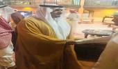 نائب أمير الرياض يقدم واجب العزاء لأسرة السديري