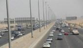 مواطن يطارد لصاً في جدة لاستعادة 300 ألف ريال