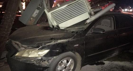 نجاة شاب من موت محقق بعد اصطدام سيارته بعمود كهرباء بالقنفذة