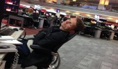 تسريب صور لصحافيي بي بي سي وهم نائمون يغضب البريطانيين