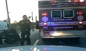 بالفيديو.. سرقة سيارة إسعاف بداخلها مريض في فلوريدا الأمريكية
