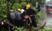 مقتل 7 وفقدان 5 في عاصفة مدارسة بسيريلانكا