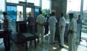 الإطاحة بمسؤول كبير في المطار حاول اغتصاب عاملة نظافة