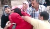 بالفيديو.. ضرب مواطن مصري في الشارع من أهل طليقته
