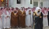 الأمير خالد الفيصل يؤدي صلاة الميت على الأميرة مضاوي بنت عبدالعزيز