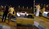 بالفيديو.. بقايا الصاروخ الباليستي بالقرب من مطار الملك خالد