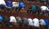 شاهد جماهير الهلال تصلي جماعة قبل لقاء أوراو