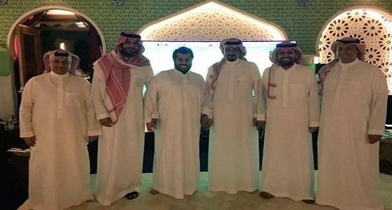 """تركي آل الشيخ يعقد اجتماع في منزله لحل قضية """" العويس """""""