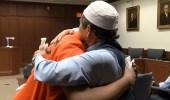 بالفيديو.. آية قرآنية دفعت رجلا للعفو عن قاتل ابنه