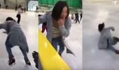 بالفيديو.. سقوط مروع لفتاة تعثرت على الجليد