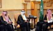 نائب أمير مكة يتسلم تقريرا عن مشروعات المدينة الجامعية بالطائف