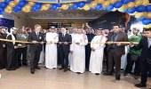 بالصور.. افتتاح السوق الحر الجديد في مطار الملك فهد الدولي