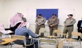 مدير سجون عسير يتفقد اختبارات النزلاء الجامعية بأبها