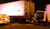 """مصرع شخص في حادث تصادم 3 شاحنات بطريق """" الرياض- الطائف """""""