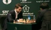 بطل العالم للشطرنج يخسر في أولى جولات كأس الملك سلمان