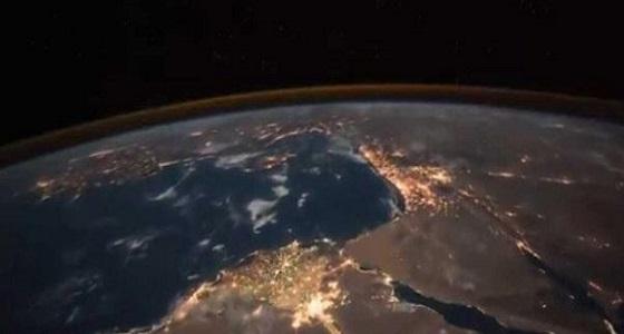 بالفيديو.. رائد فضاء أمريكي يُشيد بأنوار مصر
