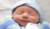 مواصفات يتمتع بها الطفل الطبيعي بعد الولادة