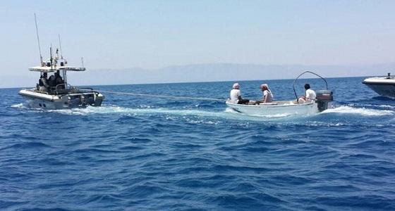 """نجاة 4 بحارة في حادث تصادم قارب مع قاطرة لـ """" أرامكو """" بالخفجي"""