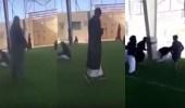 بالفيديو.. متهور يساعد الطلاب في الهروب من المدرسة