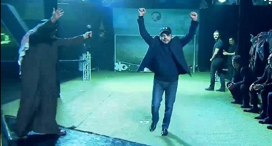 """بالفيديو.. هنيدي يهز مرمى """" الروبوت """" في حفل تأهل الأخضر لكأس العالم"""