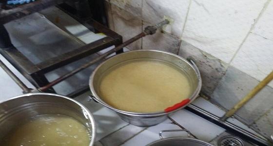 بالصور.. إتلاف 43 كيلو مواد غذائية بالمدينة