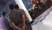 بالفيديو.. بدء التحقيق في مشاجرة الفتاة مع رجال هيئة الأمر بالمعروف