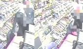 بالفيديو.. مشرد ينقذ إمرأة من هجوم مروع عليها