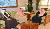 بالصور.. أمير الرياض يستقبل مدير إدارة المجاهدين