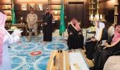 بالصور.. أمير الباحة يكرم 40 طالبا حققوا مراكز متقدمة في المسابقات التربوية