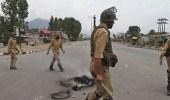 الهنود يشتبكون مع الشرطة لوصولهم موقع حادث سقوط حافلة متاخرا