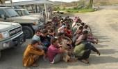 """"""" المجاهدين """" تعلن القبض علي مهربين مواد مخدرة ومئات المتسللين بجازان"""