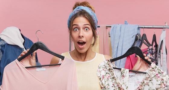 خبيرة أزياء تنصح باقتناء ملابس بمقاس أكبر