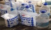 """بالصور.. ضبط 1100 علبة مياه """" زمزم """" معبأ بطرق مخالفة"""